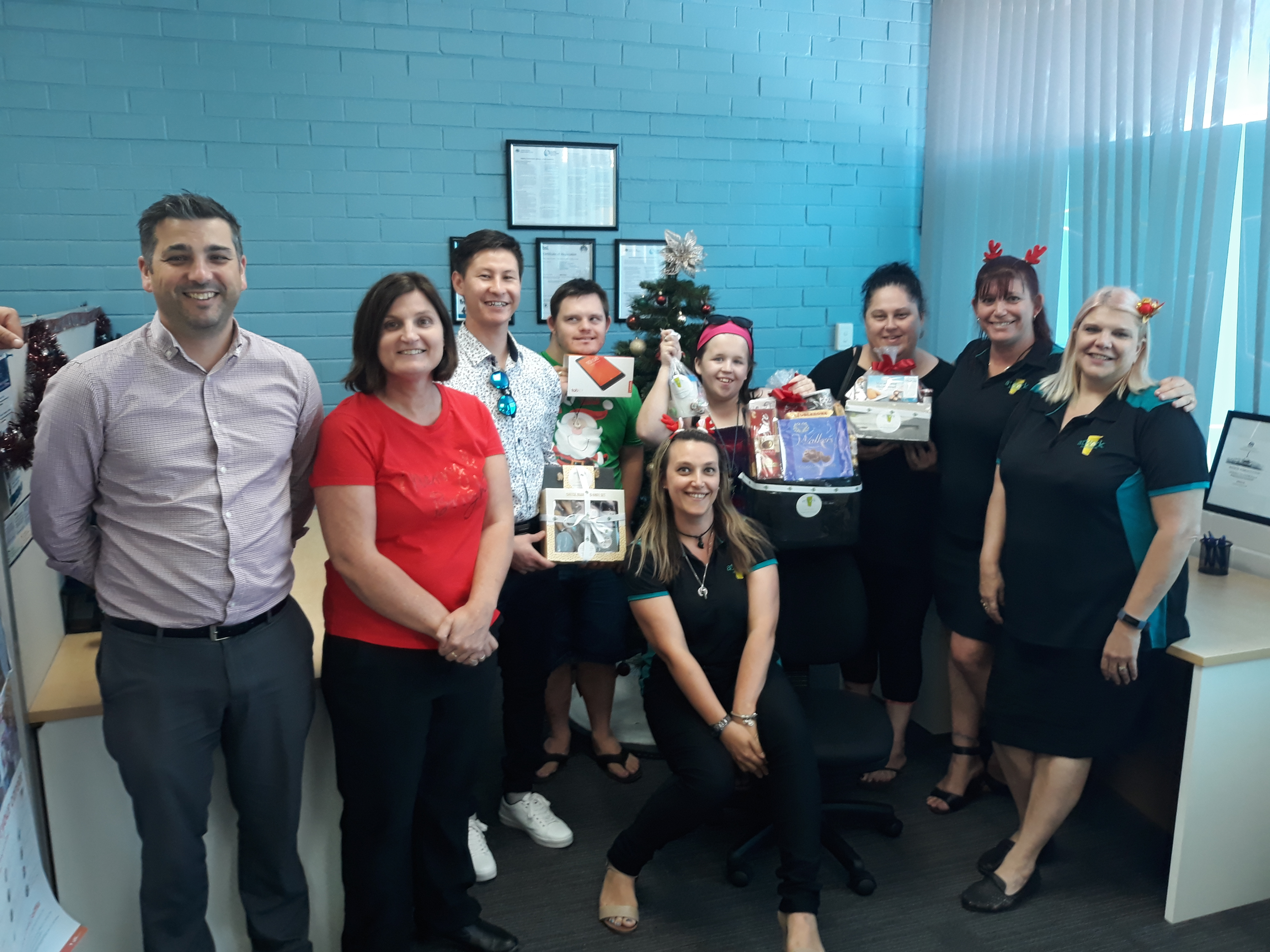 Local WA team celebrate DES clients' journey to employment